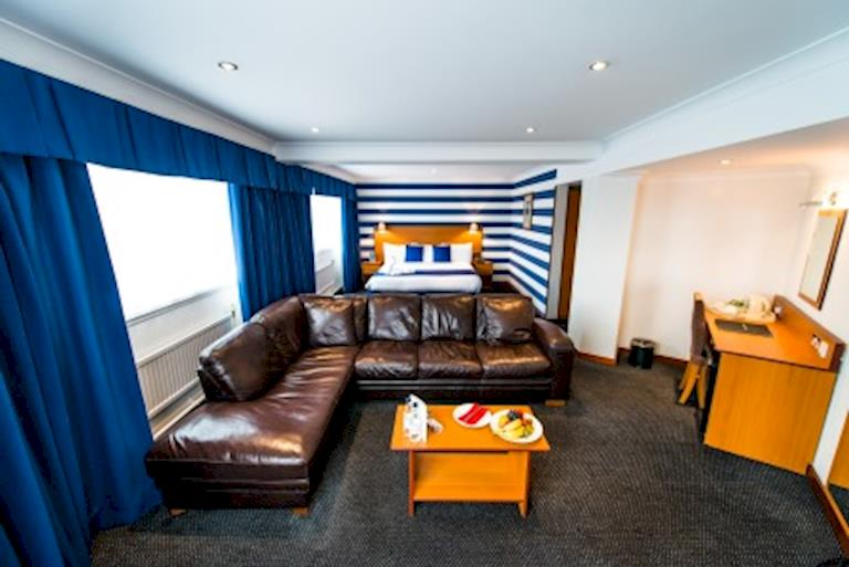 Best Bed Liner >> Executive Cabin Hotel Rooms Liverpool City Centre   The Liner Hotel Liverpool